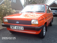 57 1982 ford fiesta popular plus red 1.1l icon