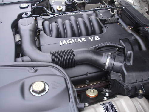 1997 jaguar v8 xj srs x308 beige engine bay
