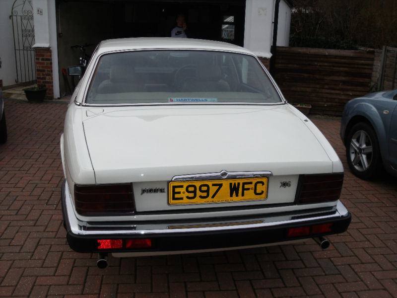 1987 jaguar xj6 white back