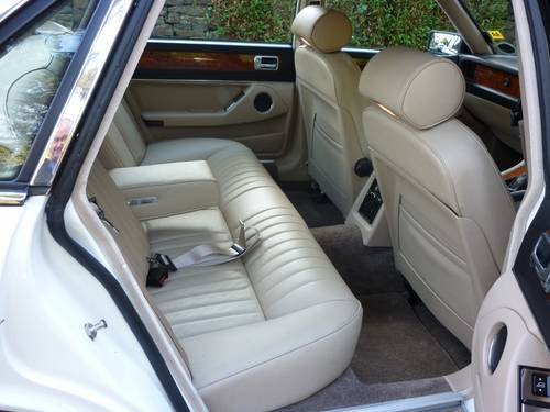 1987 jaguar xj6 white interior 3
