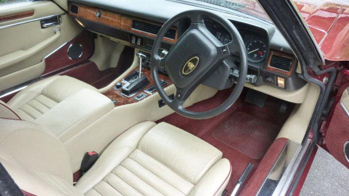featured cars jaguar xjs 1990 jaguar xjs v12 convertible regency red ref 301. Black Bedroom Furniture Sets. Home Design Ideas