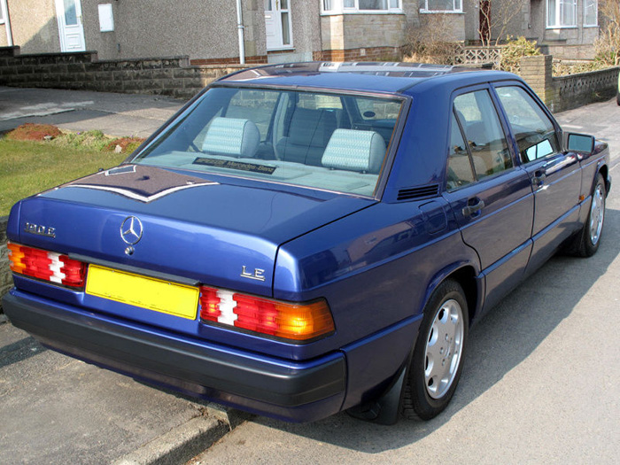 [Image: 1993%20Mercedes-Benz%20W201%20190LE%202.JPG]