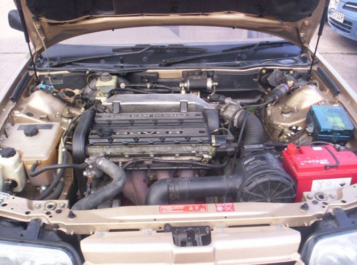 1987 rover 800 2l si gold engine bay