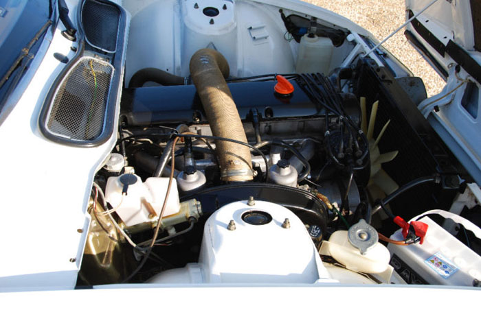 1979 series 1 rover sd1 2600 engine bay