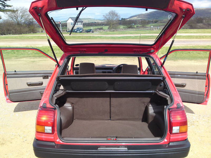 1989 toyota starlet 1.0gl boot