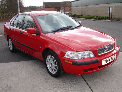 Featured Cars - Volvo - S40 - 2001 Volvo S40 1.6i (ref 674)